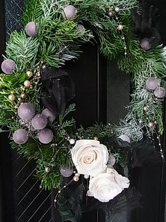 シックなクリスマスリース 2008_b0105897_14342546.jpg