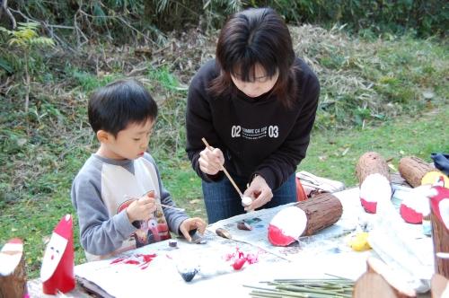 2008「丸太を切ってサンタを作ろう」_c0108460_23133960.jpg