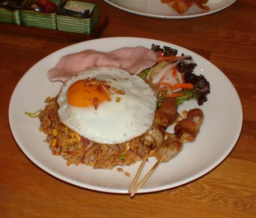 ASIAN NATURAL FOOD   CAFE NADI (カフェ・ナディ)     関西炒飯考(番外編)_d0083265_19575515.jpg