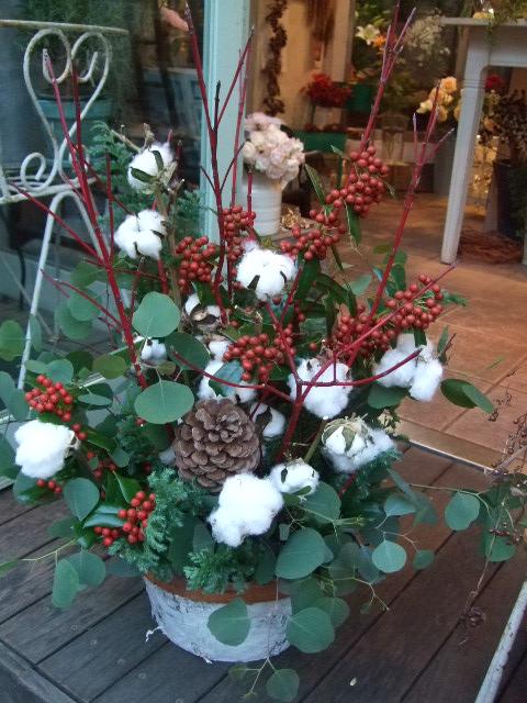 オークリーフ(クリスマスイメージのアレンジメント)_f0049672_17213698.jpg