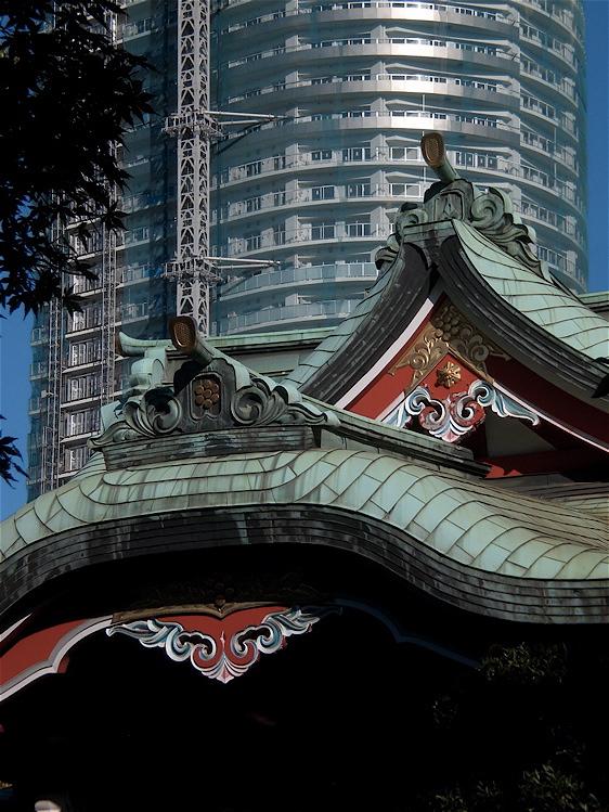 神社の屋根_c0156717_7343959.jpg