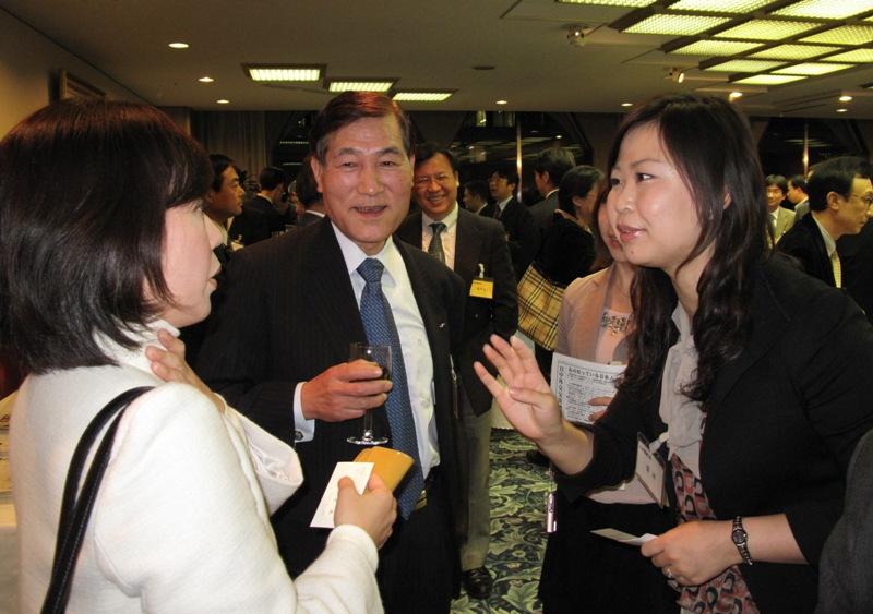 东京举行日本企业与中国媒体交流会_d0027795_2214558.jpg