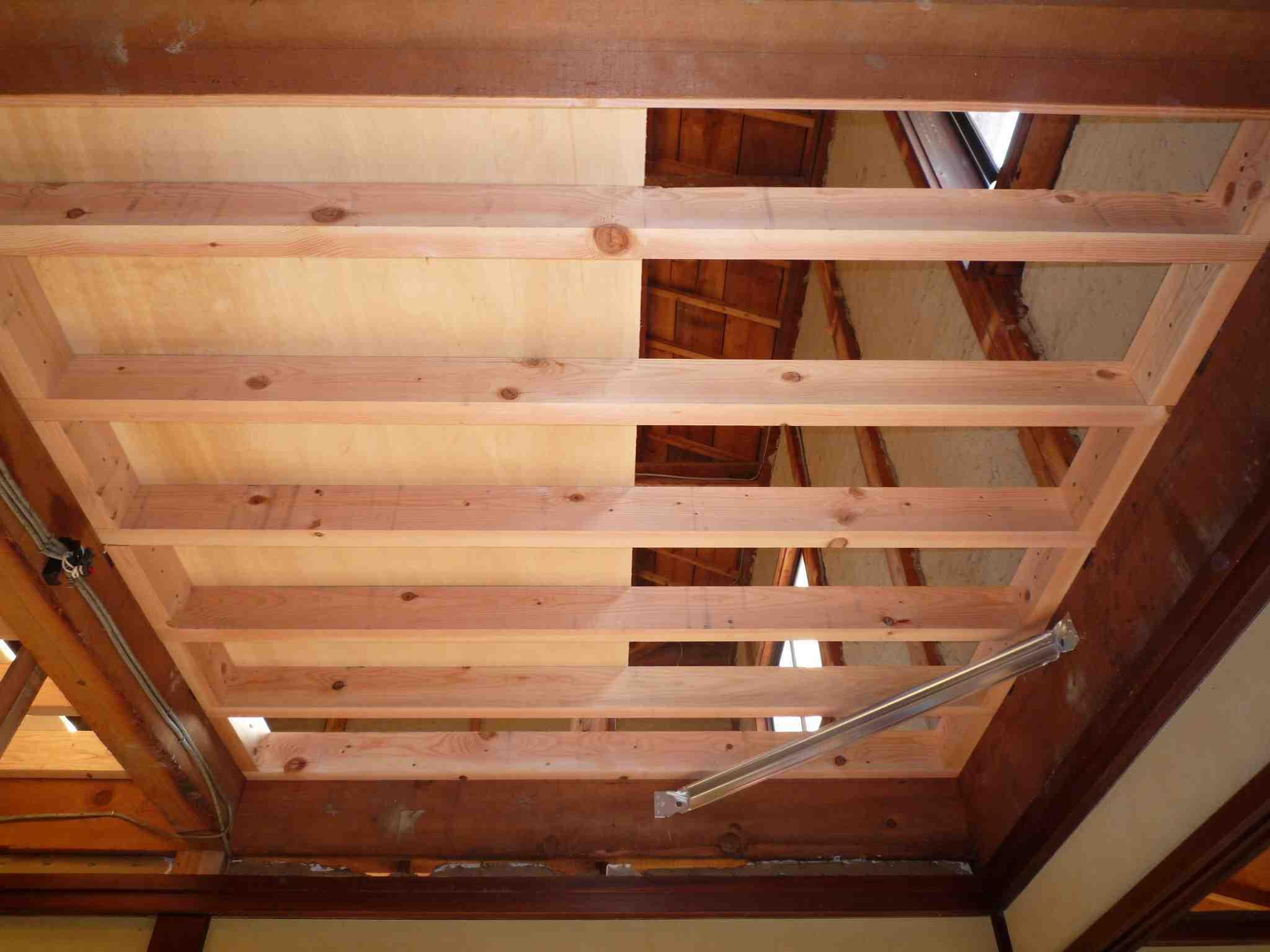 現場レポート S邸 2F床組ほぼ完了 水平構面の補強_f0165030_962453.jpg
