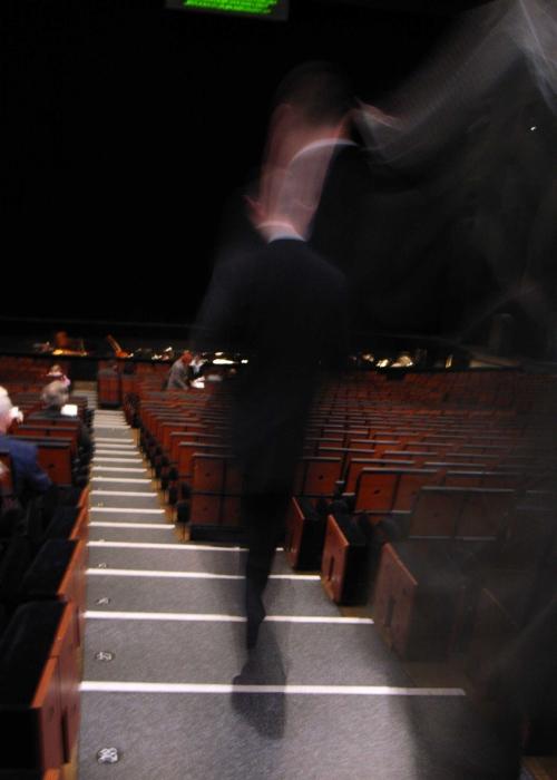 http://pds.exblog.jp/pds/1/200812/04/50/c0093750_18312744.jpg