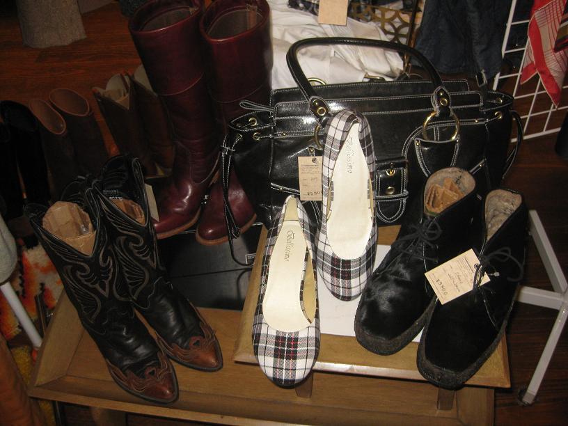 レディース秋冬靴、大量入荷♪_a0108963_14454641.jpg