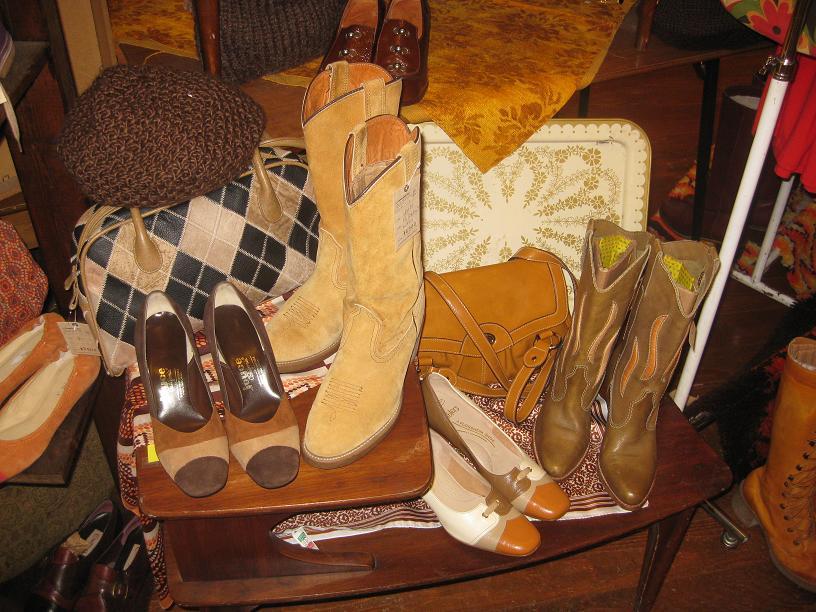 レディース秋冬靴、大量入荷♪_a0108963_14461911.jpg