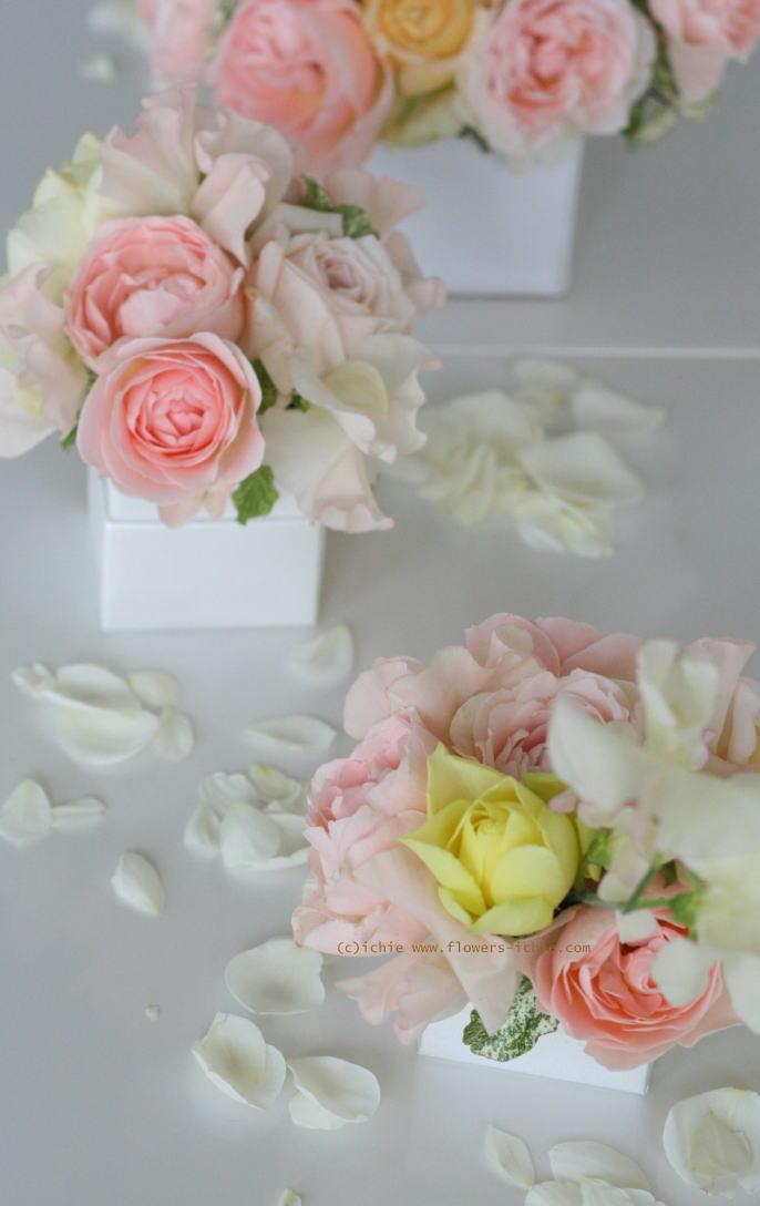 銀座 カフェセレ様の装花 白とスクエア_a0042928_23353426.jpg