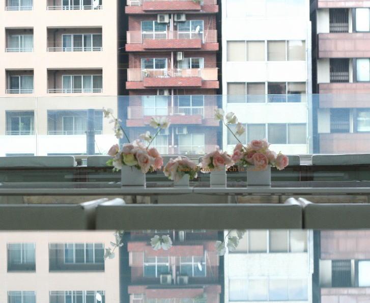 銀座 カフェセレ様の装花 白とスクエア_a0042928_2335876.jpg