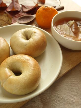 寒い冬の朝は・・パンとスープで簡単あったか朝ごはん_d0128268_22302670.jpg