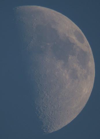 昼間の月と金星(2008年12月6日、7日)_e0089232_1620320.jpg