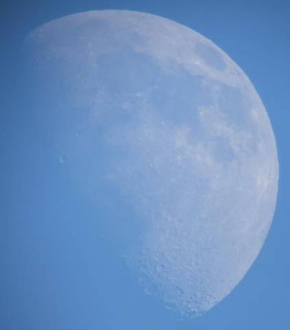 昼間の月と金星(2008年12月6日、7日)_e0089232_16203539.jpg