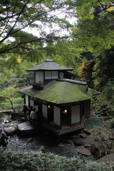 横浜三渓園  聴秋閣_f0156448_16123281.jpg