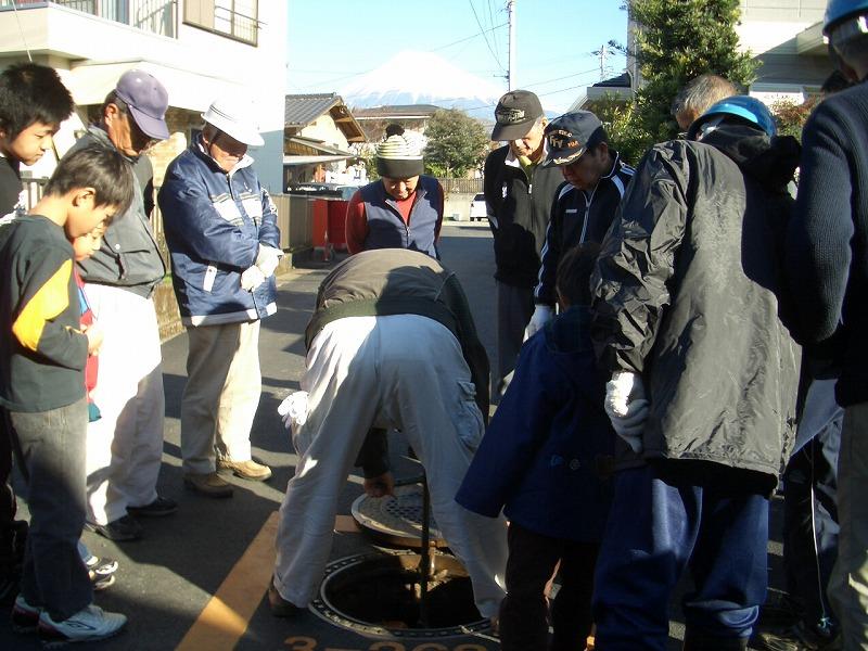 冬の「防災訓練」 放水は町内全域をカバーできるだろうか?_f0141310_2334369.jpg