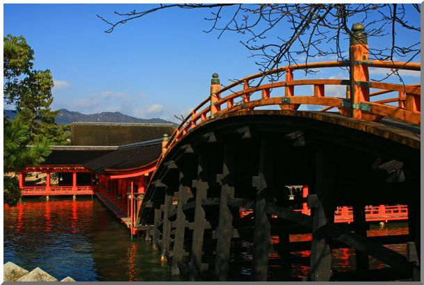 厳島神社は海の上(安芸の宮島)(Ⅴ)_d0123528_10363813.jpg