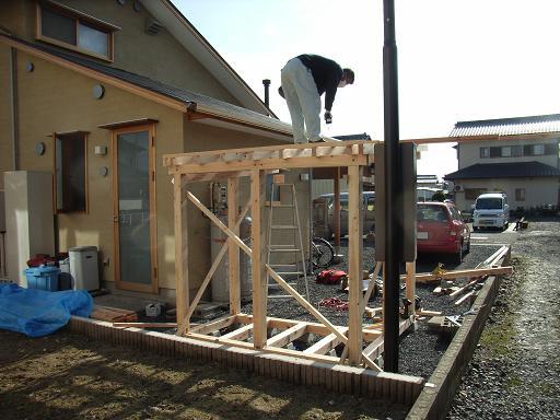 Nさんのいえ 薪小屋ほぼ完成 2008/12/5_a0039934_1849263.jpg