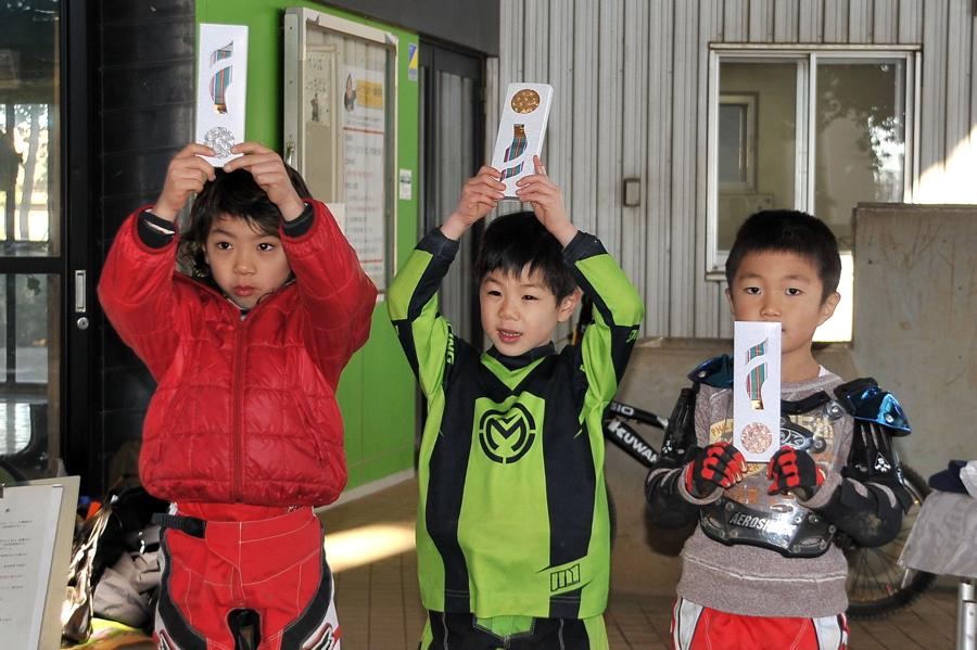 2008JOSF川口ゴリラ公園12月定期戦VOL 5:ミルキー6,7,8クラス決勝_b0065730_024266.jpg
