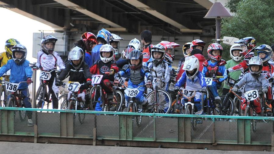 2008JOSF川口ゴリラ公園12月定期戦VOL 5:ミルキー6,7,8クラス決勝_b0065730_0261433.jpg