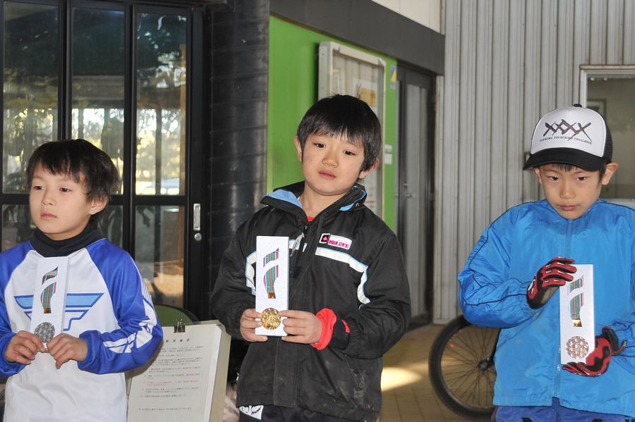 2008JOSF川口ゴリラ公園12月定期戦VOL 5:ミルキー6,7,8クラス決勝_b0065730_0322081.jpg