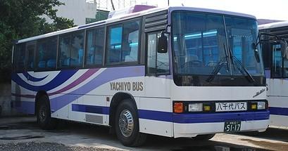 八千代バスの車両_e0030537_21413930.jpg
