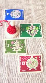 クリスマスの帽子と切手_c0157242_13222641.jpg