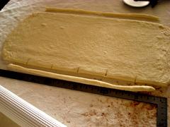 バター控えめクロワッサン、同じ生地でベーグル(酒粕酵母)_c0110869_22303794.jpg