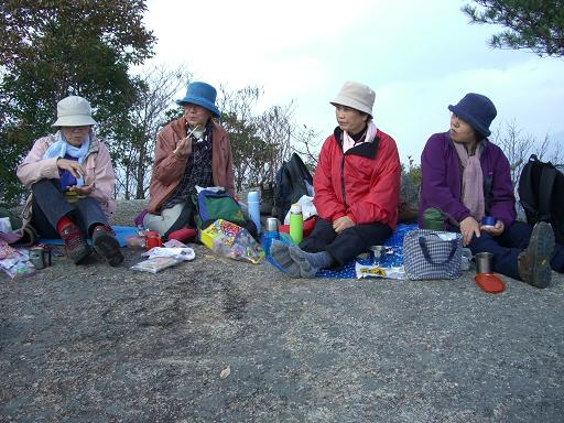 岩石山へ_e0164643_22452612.jpg