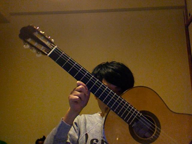 ガットギター買った_d0003544_2155984.jpg