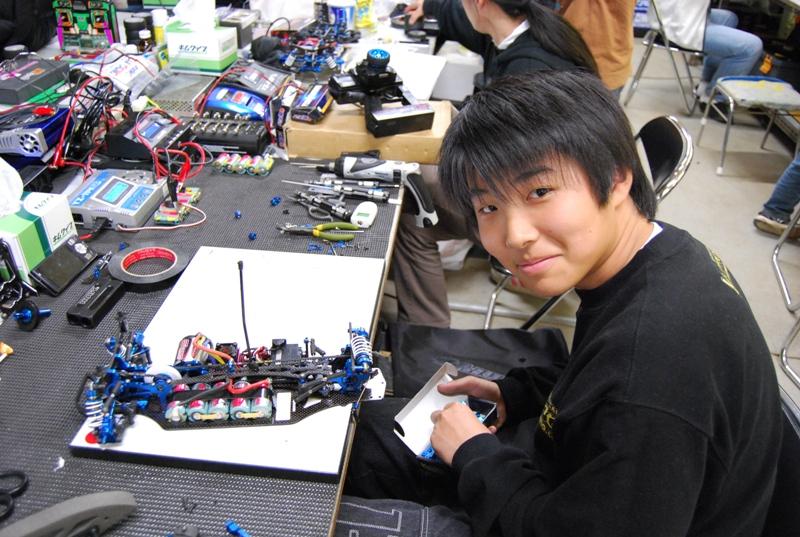 12月12日 チームヨコモ情報_e0166663_13342233.jpg