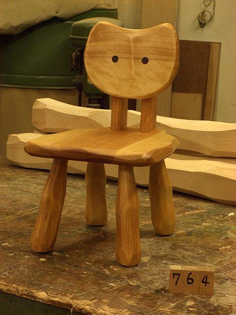 こねこ椅子完成_e0072513_6374568.jpg