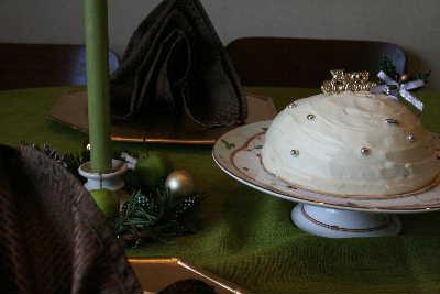 教室・・・スノーホワイトドームケーキ & Xmasリース_f0141419_5505426.jpg