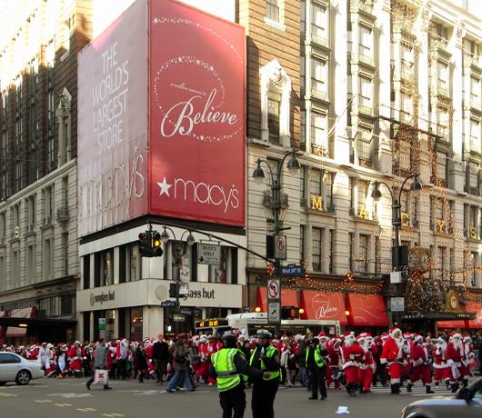 ニューヨークにサンタさん達がやってきた・・・ SantaCon 2008_b0007805_1632081.jpg