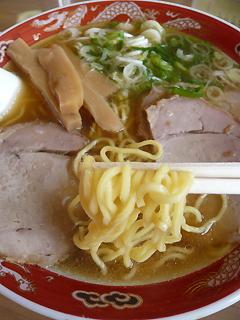 飛行機に乗ってでも食べたい 旭川ラーメン_c0053520_1846975.jpg