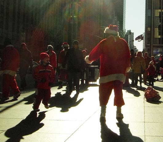ビジネス街にもクリスマス_b0007805_14352944.jpg