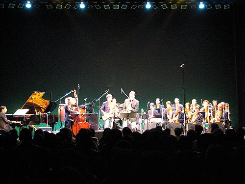ビックバンドジャズ「晩秋の宴 ~エリック・マリエンサルを迎えて~」_e0118827_2125393.jpg