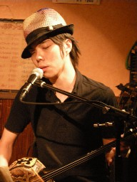 今度の日曜(12/21)は「MERRY MERRY!! 」ライブ&DJパーティ♪_a0083140_4255096.jpg