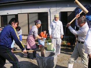 餅つきペッタン☆_f0152061_1201794.jpg