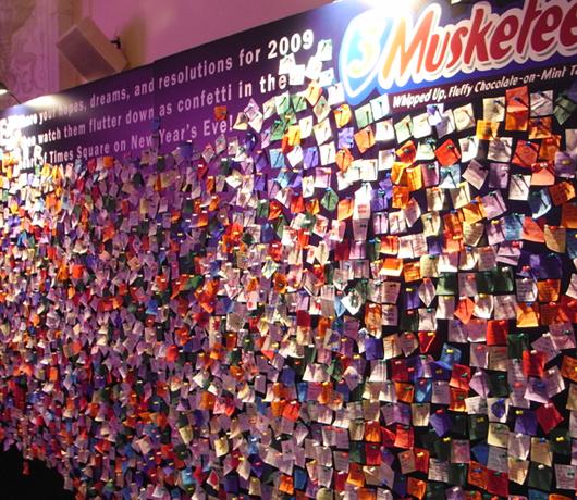 ニューヨークで新年の誓いをたてたい方へ、「願いの壁」が登場中_b0007805_22505157.jpg