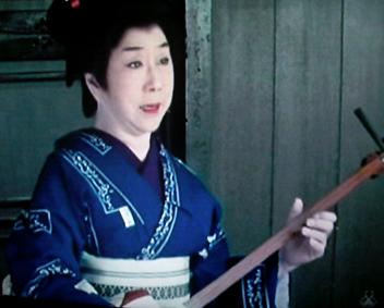 時代劇のきもの(4)『必殺仕事人Ⅳ』おりく(山田五十鈴)_f0134963_21291392.jpg