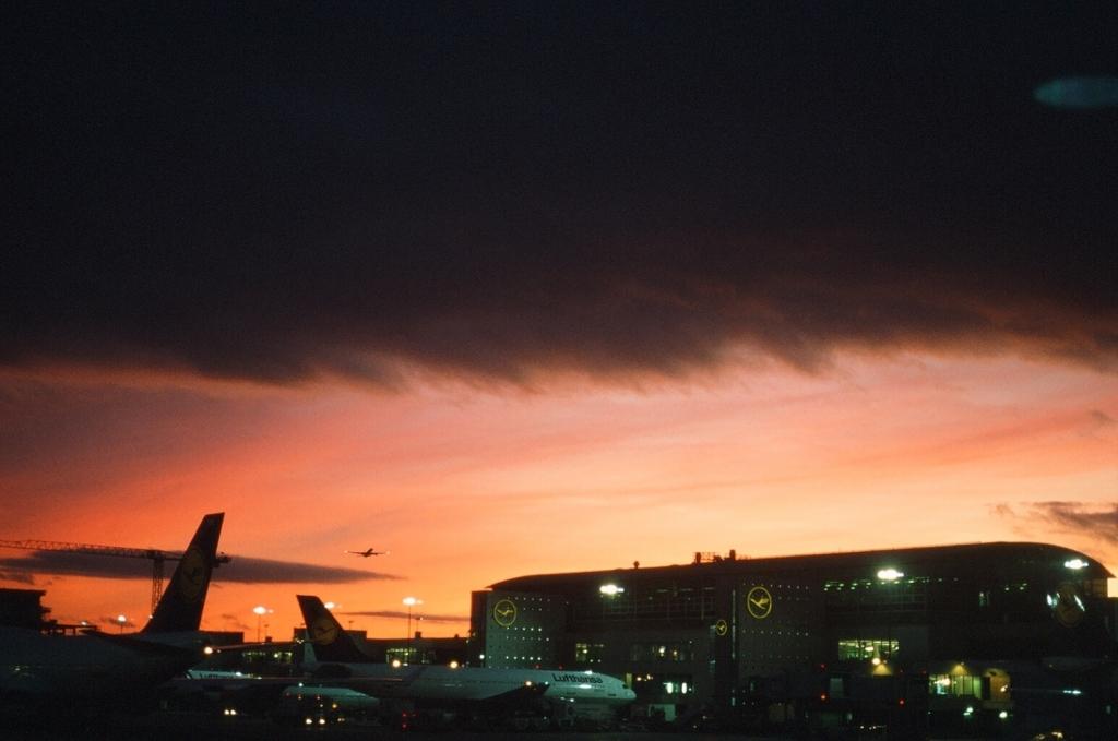 in Frankfurt airport_e0134658_6125467.jpg