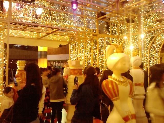 クリスマスイルミネーション 8_e0155771_2213841.jpg