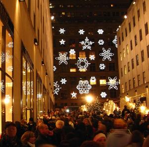 サックス・フィフス・アベニューの「雪の結晶」のライト・ショー_b0007805_0261099.jpg