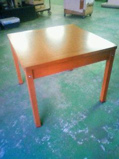 伸縮するダイニングテーブル_b0130512_1226846.jpg