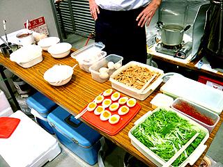 初代麺のすけ(仮称)ラーメン試作販売@「しまね冒険ワールド」(くにびきメッセ)_f0080612_11321754.jpg