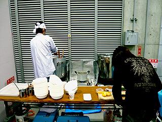 初代麺のすけ(仮称)ラーメン試作販売@「しまね冒険ワールド」(くにびきメッセ)_f0080612_1132364.jpg