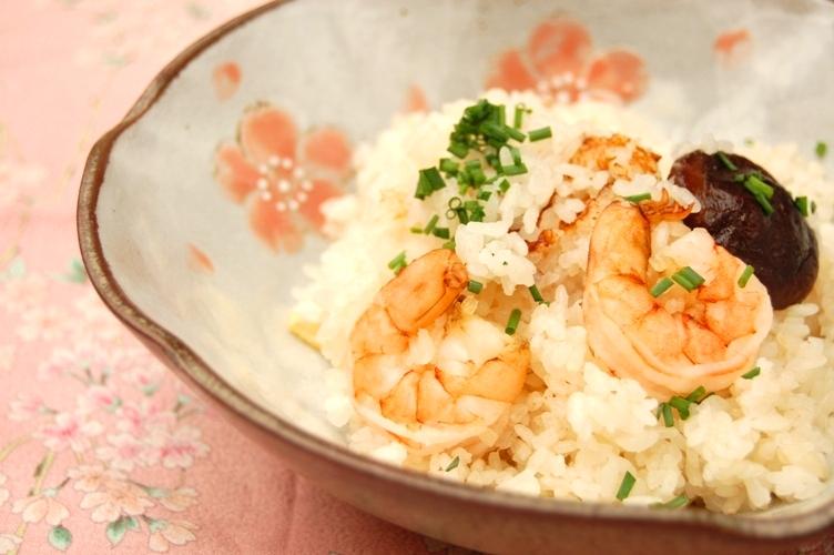 さっぱり☆しょうが味の海老の炊き込みごはん☆_d0104926_2581596.jpg