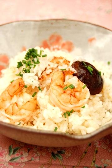 さっぱり☆しょうが味の海老の炊き込みごはん☆_d0104926_258513.jpg