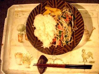 今日の夕飯はモヤシ炒め_e0166355_1822460.jpg