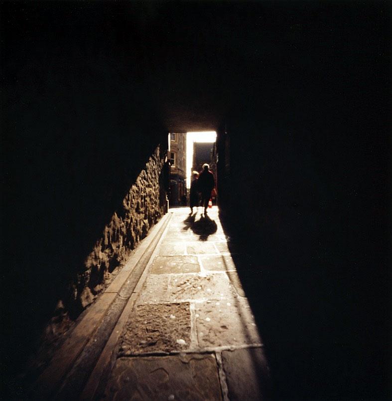 クロースの光と影 Edinburgh, Scotland エディンバラ Pinhole Photography_f0117059_19445049.jpg