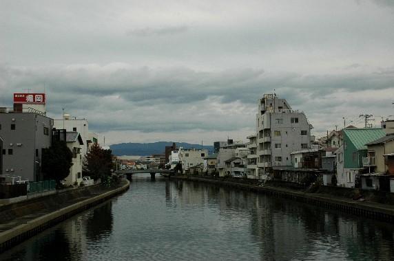 川のある風景_b0093754_23565046.jpg