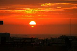 朝日が出て来ました_e0166355_7245867.jpg